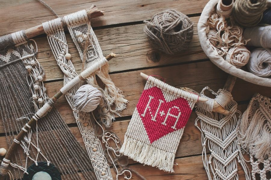 10 Fun & Easy DIY Macrame Projects for Bookworms - Macrame for Beginners
