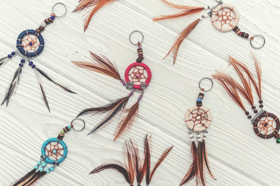 15 Adorable Beginner-Friendly DIY Macrame Keychains