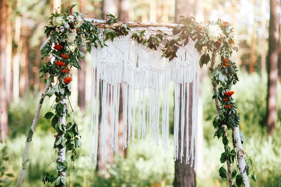 16 DIY Boho Macrame Wedding Decor Projects for the Perfect Rustic Wedding