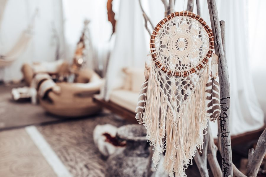 12 Easy Diy Boho Macrame Dreamcatcher Tutorials Macrame For Beginners