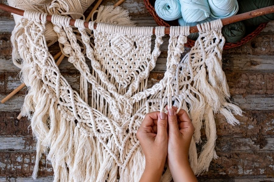 12 Gorgeous DIY Large Macrame Wall Hanging Patterns