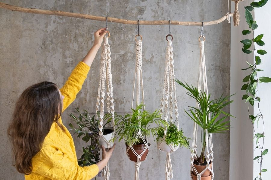 How to Make a Macrame Plant Hanger – Knots + Supplies + DIY Patterns