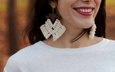 How to Make Gorgeous Macrame Earrings – Knots + Supplies + DIY Patterns
