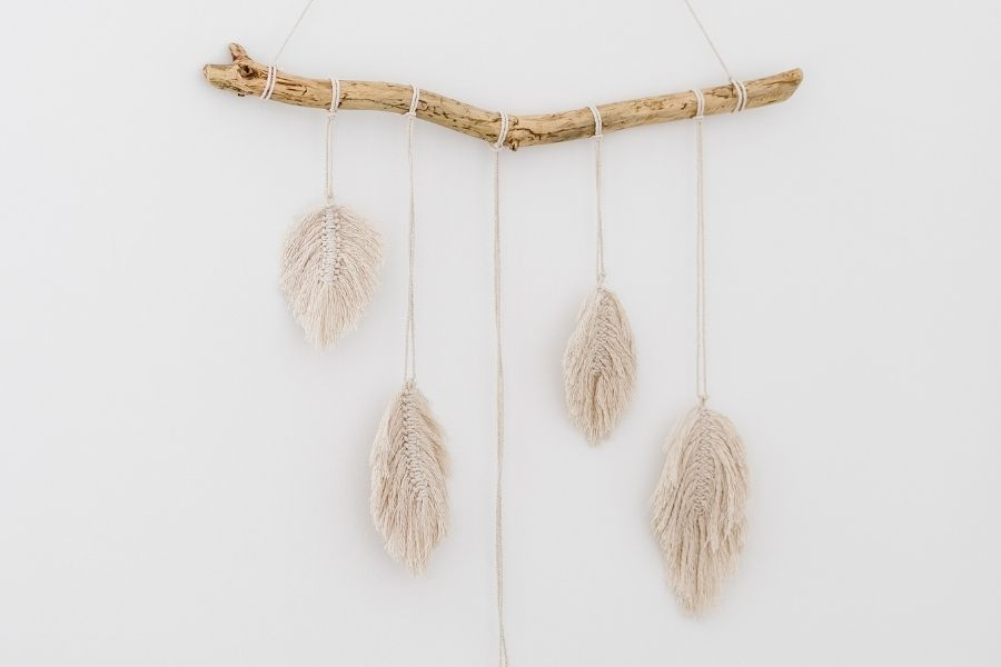 12 Easy DIY Macrame Feather Wall Hanging Patterns for Beginners