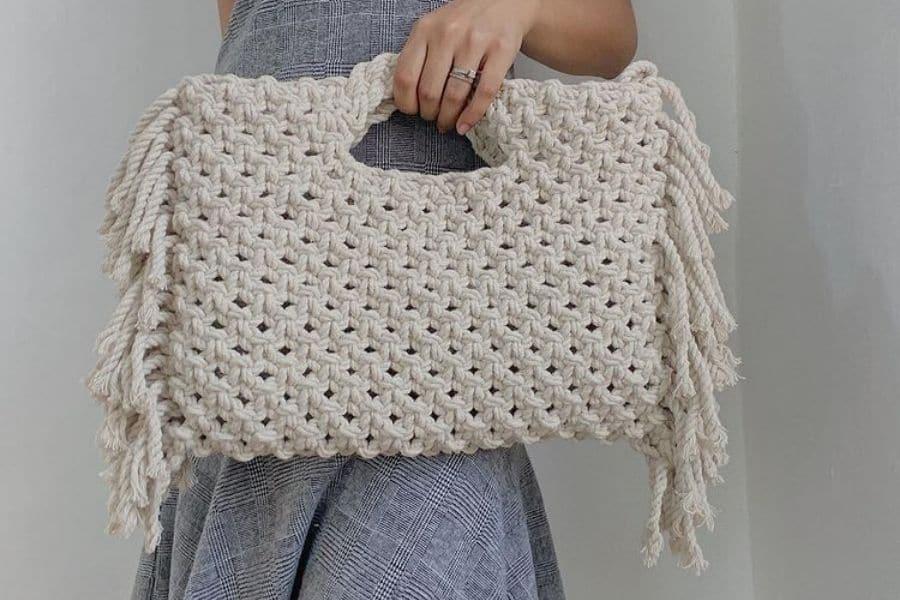 How to Make a Macrame Bag – Knots + Supplies + DIY Patterns